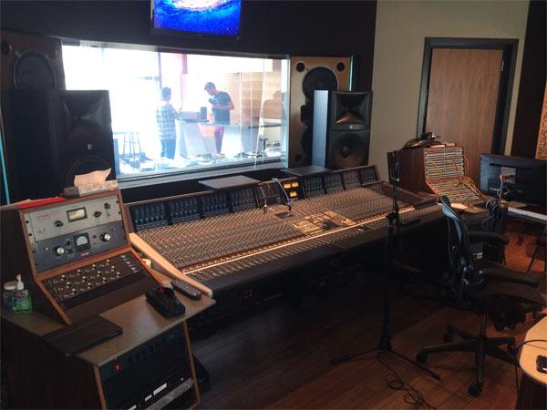140625_jungle_studio